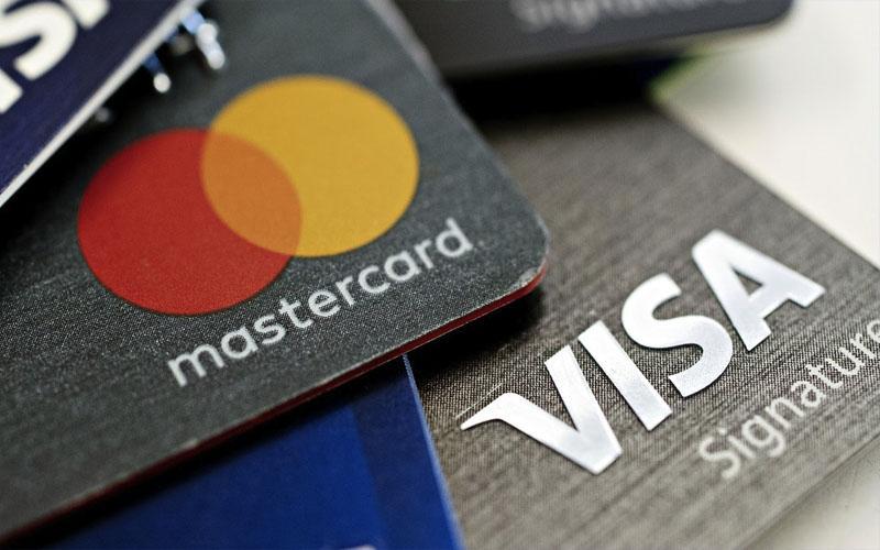 Visa và Mastercard là 2 loại thẻ thanh toán quốc tế được rất nhiều người tin tưởng